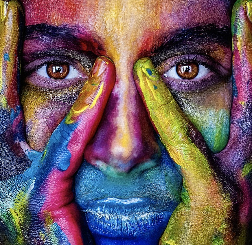 I mille colori e i mille volti di Babylonica